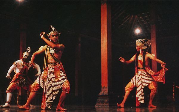 A Scene From The Ramayana Performed In A Traditional Open Pendopo Hall In Yogyakarta Jukka O Miettinen