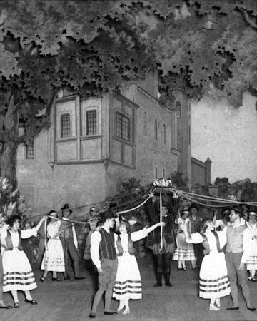 Joutsenlampi 1. Näytös, 1922 [L. Brännlund, Suomen Kansallisoopperan arkisto]
