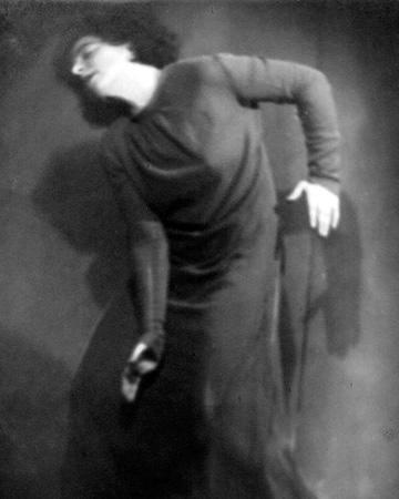 Ella Eronen, Helvi Salmisen Opiston näytös 1927 [Helander, Teatterimuseon arkisto]