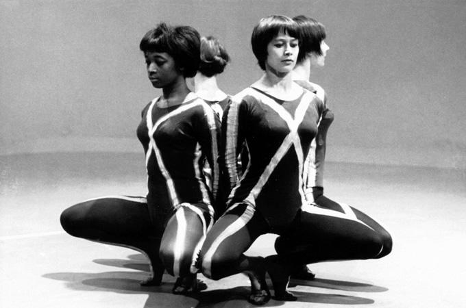 TV-häiriötanssi 1964, Dyane Gray, Sinikka Gripenberg ja Riitta Vainio [Yksityisarkisto]