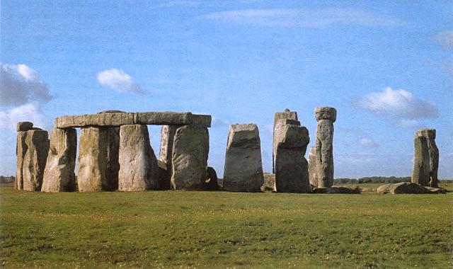 Stonehenge n. 2100–2000 eaa. [Salisbury Plain, Englanti]