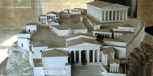 Ateena Akropolis-kukkula temppeleineen ja porrasrakenteineen, 432 eaa. [Agora-museo, Ateena]