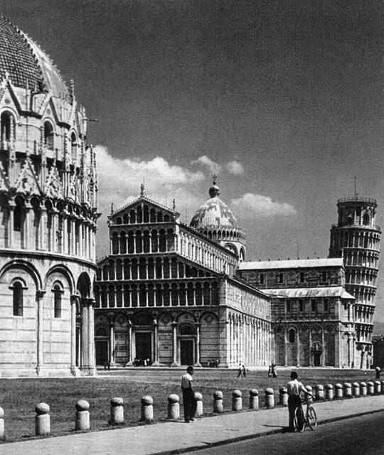 Pisan tuomiokirkko, kellotorni ja kastekappeli, 1000–1200-luvut Italia
